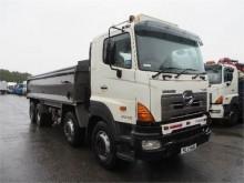 camión Hino 700 3213