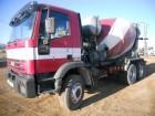 camión hormigón cuba / Mezclador Iveco usado