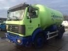 camión cisterna Mercedes usado
