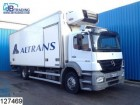 camion frigo Mercedes incidentato