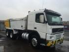 camión volquete Volvo usado