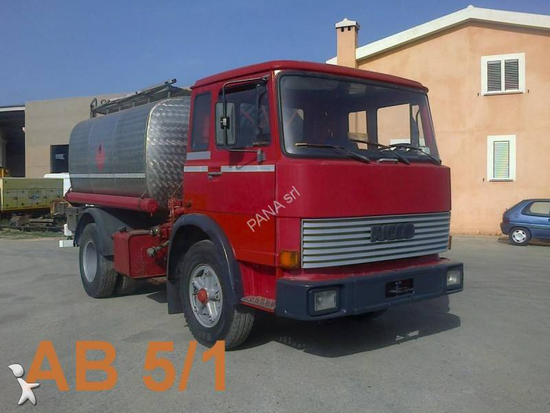 Camion fiat cisterna prodotti chimici 110 nc 4x2 euro 6 - Portata massima camion italia ...