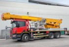 camión plataforma elevadora telescópica usado