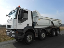 camion benne Enrochement Iveco