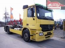 camion Mercedes Actros MP-2 2532 L 6x2 m. ATLAS ARK 204T