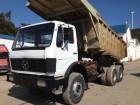 camião basculante para rochas Mercedes usado