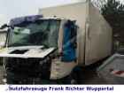camion furgone MAN incidentato
