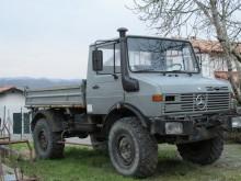 vrachtwagen Unimog U1250