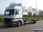 tweedehands vrachtwagen chassis Mercedes