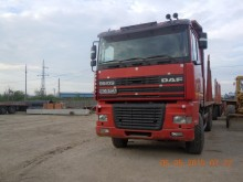 camion transport buşteni DAF second-hand