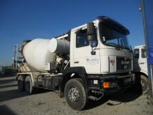 camión MAN 33.343
