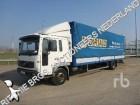 tweedehands vrachtwagen aanhanger met zeilwanden Volvo