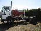 camião chassis Mercedes usado