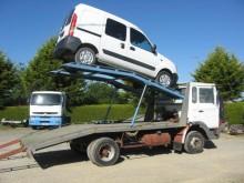 camion bisarca Renault incidentato