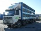 camión para ganado usado