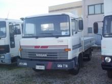 camion Nissan L 80