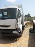 camion piattaforma Renault incidentato