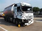 camion cisterna incidentato