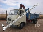 camión volquete Avia usado
