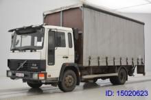 camion Teloni scorrevoli (centinato alla francese) Volvo