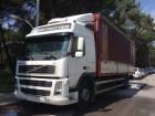 camión lona corredera (tautliner) sistema de lona corrediza Volvo usado