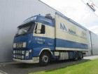vrachtwagen Volvo FH440 6X2 GLOBETROTTER THERMO KING TS-300 EURO 4