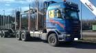 camión maderero Scania usado