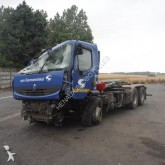 camion scarrabile Renault incidentato