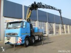 camión Volvo FH 16.550 8x4 with Effer 125 ton/meter crane and