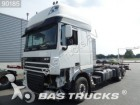 camion portacontainers DAF incidentato