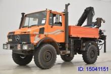 camión Ampliroll Unimog usado