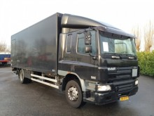 camion fourgon DAF