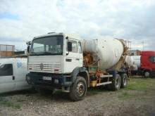 camion béton toupie / Malaxeur Renault occasion