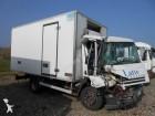 camion isotermico Iveco incidentato