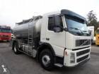 camião cisterna alimentar Volvo usado
