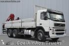camião estrado / caixa aberta Volvo usado