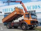 camión volquete trilateral Mercedes usado