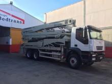 camión Iveco Trakker 350