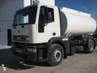 camión cisterna hidrocarburos Iveco usado