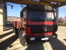 camion platformă Mercedes second-hand