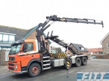 camión Volvo FM 400 8X2R NCH + kraan