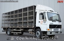 camión para ganado Volvo usado