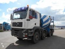 camión hormigón cuba / Mezclador MAN usado