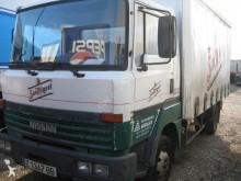 camión Nissan Ebro