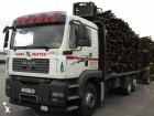 camión maderero MAN usado