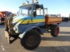 vrachtwagen Unimog U406