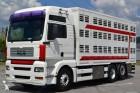 ciężarówka do transportu zwierząt powypadkowa