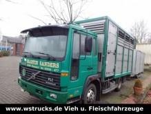 camion van à chevaux Volvo
