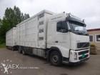 vrachtwagen Volvo FH 400 bakwagen + aanhanger vee 4 deks Menke