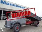 camião tri-basculante Volvo usado